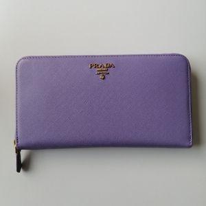 Prada saffiano zip around wallet viola purple Auth